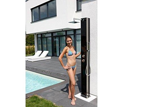 Sicherheits-Glasfront und Edelstahl Solardusche IDEAL