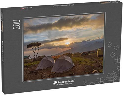 Puzzle 200 Teile Zelt nach Regen auf dem Kilimanjaro - Klassische Puzzle, 1000 / 200 / 2000 Teile, edle Motiv-Schachtel, Fotopuzzle-Kollektion 'Seven Summits'