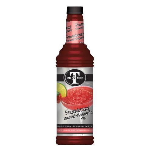 Mr. & Mrs. T Strawberry daiquiri-margarita Mix, 1 Liter Flasche