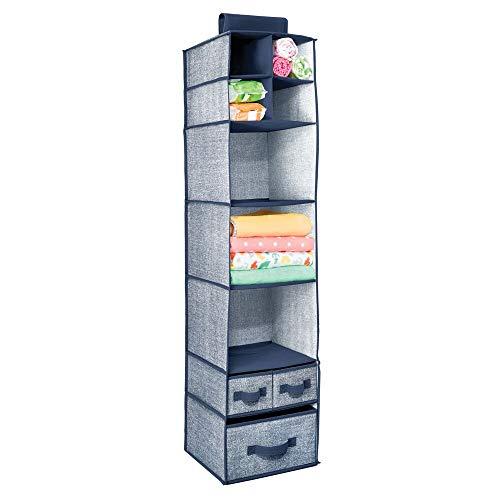 mDesign hängender Stoffschrank aus Kunstfaser – 7 Fächer und 3 Schubladen – Hängeschrank aus Stoff für das Kinderzimmer – perfekt auch als Hängeregal für Kleidung, Gürtel, Clutches – dunkelblau