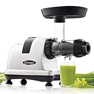 Omega MM900HDS Medical Medium Slow Masticating Celery Juicer High Juice Yield Adjustable Dial, 200-Watt, Silver |