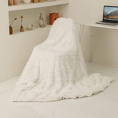 ARKEY Zotteldecke aus Kunstfell, weich, lang, warm, elegant, gemütlich, flauschig, als Tagesdecke geeignet, Fleece, weiß, 130 x 160 cm .ARKEY