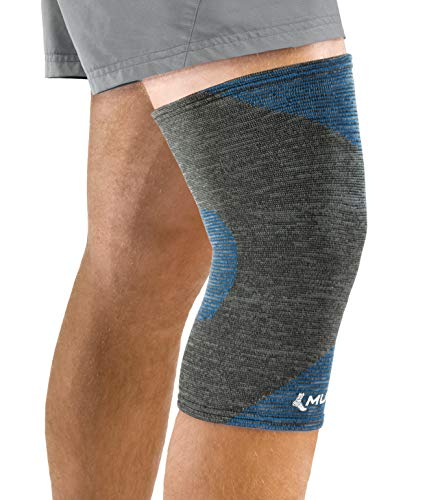 Mueller 4-Way Stretch Premium Knee Support with Thermo Reactive Technology, Medium/Large