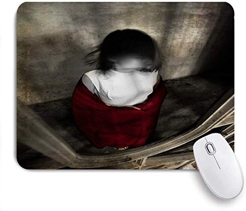 Gaming Mouse Pad rutschfeste Gummibasis, Haus Mädchen Schmerz weißes Kleid rot gruselig Schal Menschen Horror Teufel Vintage Puppe schwarz gruselig dunkles Gesicht, für Computer Laptop Schreibtisch