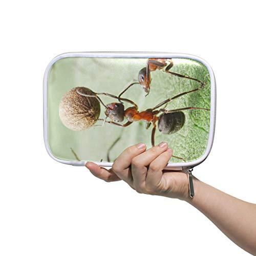 Estuche de lápices Bolso cosmético de cuero Hormigas juega fútbol con organizador de semillas de pimienta Gran capacidad para la escuela de viajes