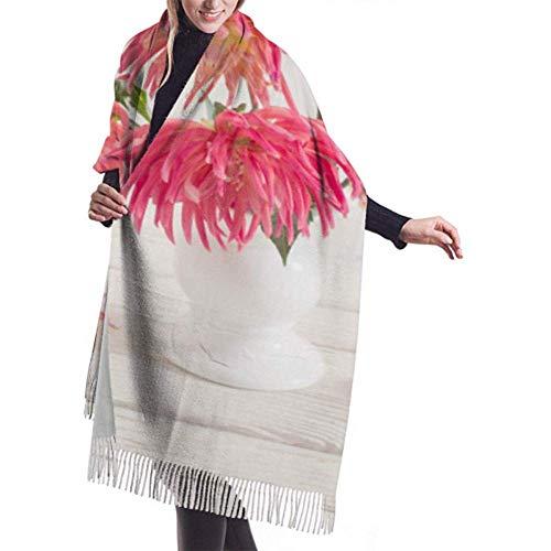 Laglacefond wintersjaal cashmere feel Dahlia bloemen witte vaas op houten sjaal stijlvolle sjaal wraps zachte warme deken sjaals