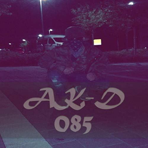 AK-D 085 feat. Luca