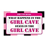 S-RONG雑貨屋 What Happens in The Girl Cave Stays There Novelty ブリキブリキ 看板レトロ デザイン壁の装飾画30x40cm