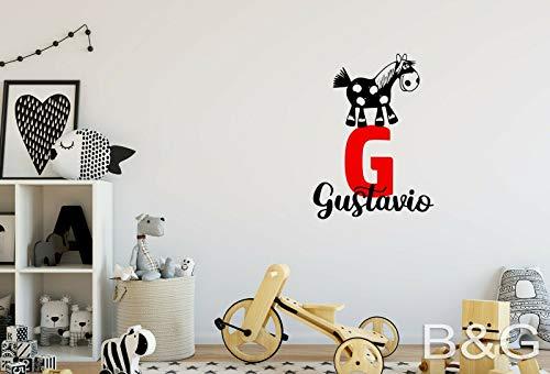 myrockshirt Adhesivo de pared para habitación infantil, diseño de jirafa con nombre o letra personalizable, 2 colores, 45 cm, resistente a los rayos UV y al túnel de lavado, calidad profesional