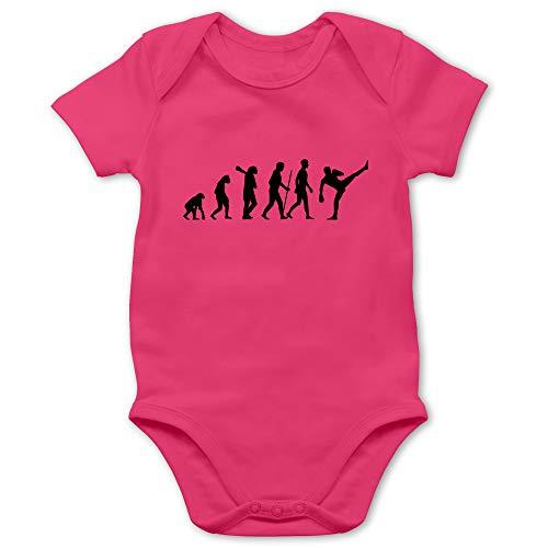 Shirtracer Evolution Baby - Kickboxen Evolution - 3/6 Monate - Fuchsia - Boxhandschuhe Kinder 12 Jahre - BZ10 - Baby Body Kurzarm für Jungen und Mädchen