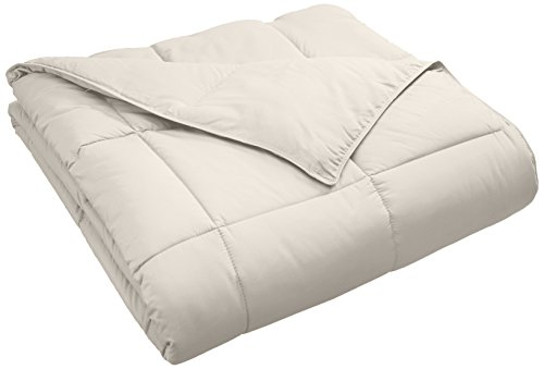 Superior Classic All-Season Down Alternative Comforter with Baffle Box Construction, King, Ivory