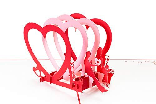 PrimePopUp | Liebeskarte | Liebespaar auf Bank mit Herzen | 3D Pop Up Karte | besondere Hochzeitskarte | Geschenk für Freundin Freund | Geburtstagskarte | Ich liebe Dich Karte für Sie & Ihn