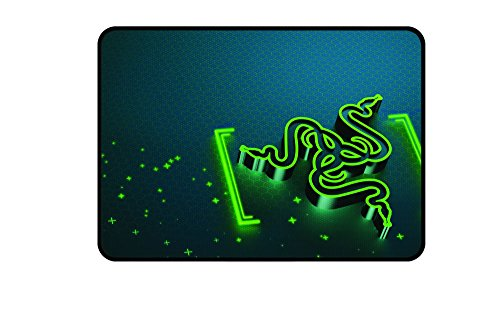 Razer Goliathus Medium Control Soft Gaming Mausmatte (professionelle Gamer, Gravity Design)