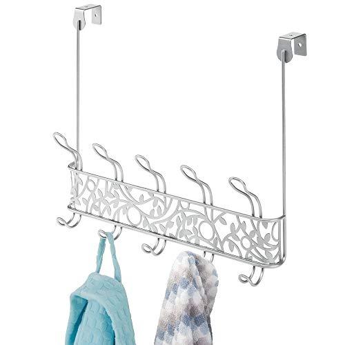 mDesign Perchero de puerta de metal de estilo vintage – Colgador para puerta con 10 ganchos para pasillo y baño – Cuelga ropa compacto para abrigos, chaquetas, albornoces y toallas – plateado