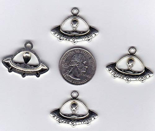 10 Alien in A U.F.O. Flying Saucer Metal PENDENT Charms Vintage Crafting Pendant Jewelry Making Supplies - DIY for Necklace Bracelet Accessories by CharmingSS