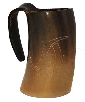 Buffalo Horn Viking Taza pulida Grabado a mano Cuerno nórdico Guerrero símbolo 6 pulgadas para cerveza y cerveza.
