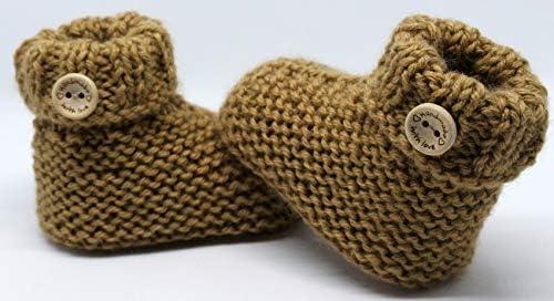 Patucos para bebé de crochet, Unisex. Estilo botas Japón, color a elegir, realizadas en lana, tallas de 0 hasta 9 meses, hechos a mano en España. Regalo para bebé
