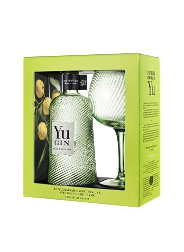Yu Gin mit Glas