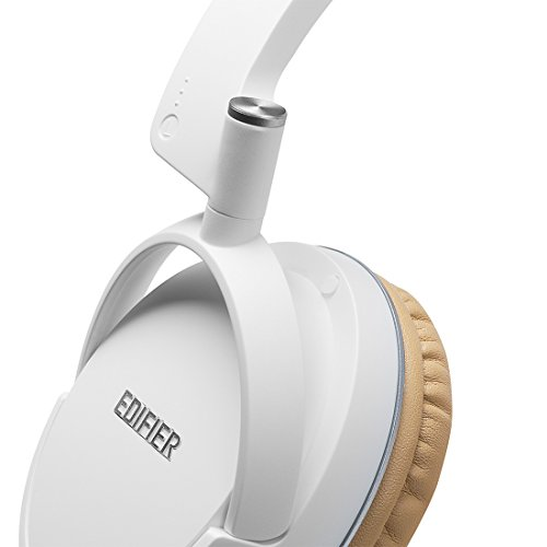 Edifier P841 Comfortable Noise Isolating Over-Ear Headphones with Microphone and Volume Controls - White