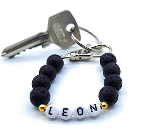 Schlüsselanhänger mit Name aus natürlichen Lavaperlen – individuell für Dich handgefertigt