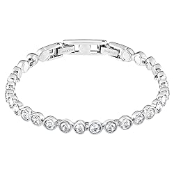 Valentine's day gifts for Vietnamese girlfriend tennis bracelet