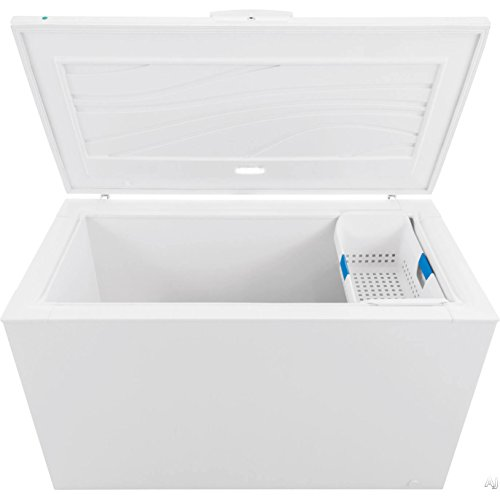 Frigidaire FFFC16M5QW 56' Chest Freezer in White