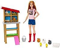 Vivez vos rêves en grand avec les coffrets et poupées Barbie Métiers. Les enfants peuvent s'imaginer qu'ils s'occupent de leur animal de la ferme préféré avec la poupée Barbie fermière et son poulailler!  Le poulailler est agrémenté de «nids» pou...