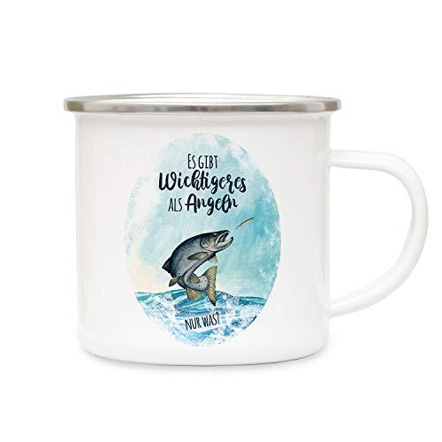 ilka parey wandtattoo-welt Emaille Becher Camping Tasse Meerforelle Lachsforelle Fisch Spruch Es gibt Wichtigeres als Angeln Kaffeetasse Geschenk Spruchbecher eb381