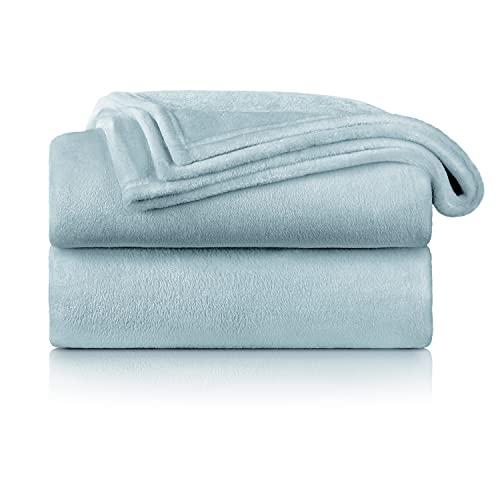 Blumtal Flauschige Kuscheldecke – hochwertige Wohndecke, super weiche Fleecedecke als Sofaüberwurf, Tagesdecke oder Wohnzimmerdecke, 270 x 230 cm, Hellblau
