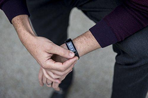 Garmin vívosmart HR Activity Tracker Regular Fit – Black