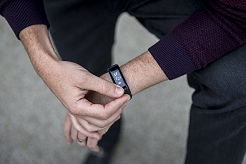Garmin vívosmart HR Fitness-Tracker – integrierte Herzfrequenzmessung am Handgelenk, Smart Notifications, Schwarz, M – L (13,7-18,8 cm) - 6