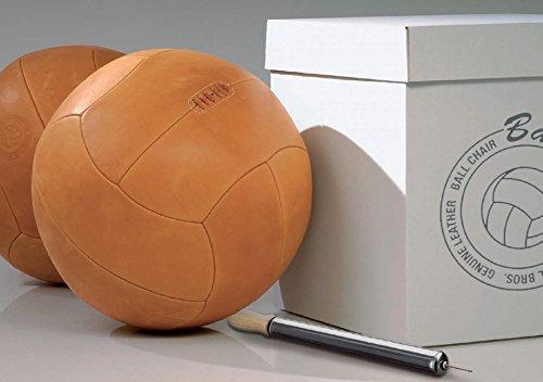 The Balloon - life is patina - Großer Leder Sitzball mit 57 cm Ø und traditioneller Prägung