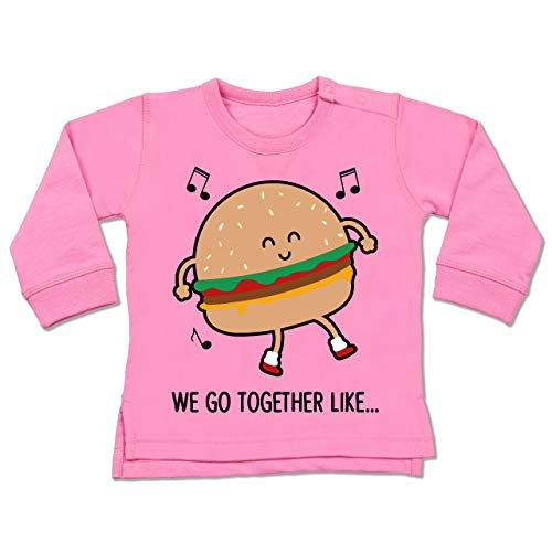 Shirtracer Karneval und Fasching Baby - We go Together Like. Burger - 6/12 Monate - Pink - Verkleidung Kostüm - BZ31 - Baby Pullover