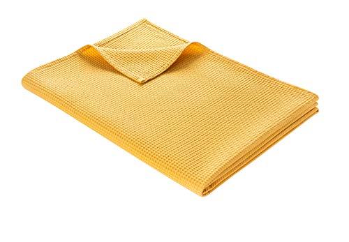 WOHNWOHL Tagesdecke 150 x 200 cm • Waffelpique leichte Sommerdecke aus 100% Baumwolle • Luftige Sofa-Decke vielseitig einsetzbar • Pflegeleichte Wohndecke • Baumwolldecke Farbe: Goldgelb