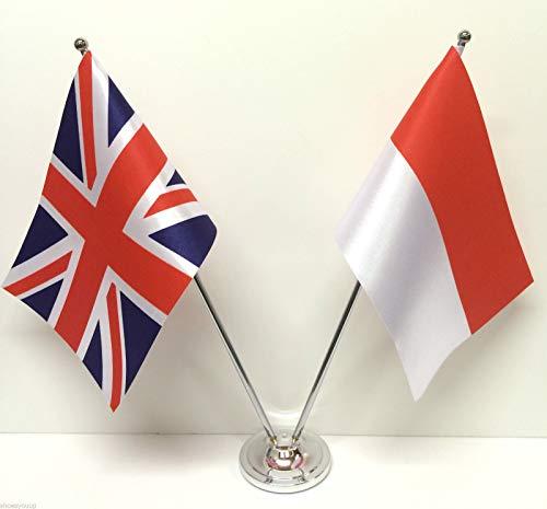 Flagmania® - Banderas de la Amistad de la Bandera de Reino Unido GB y Mónaco, Juego de Banderas de Mesa de Cromo y satén + Insignia de botón de 59 mm