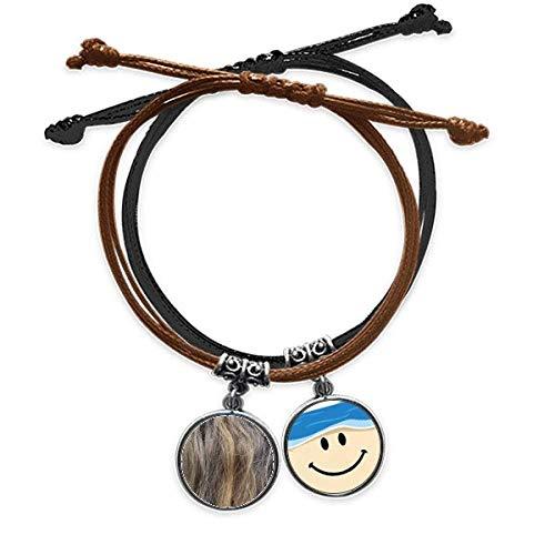 Braunes, gelocktes langes Haararmband, Lederarmband, mit lächelndem Gesicht