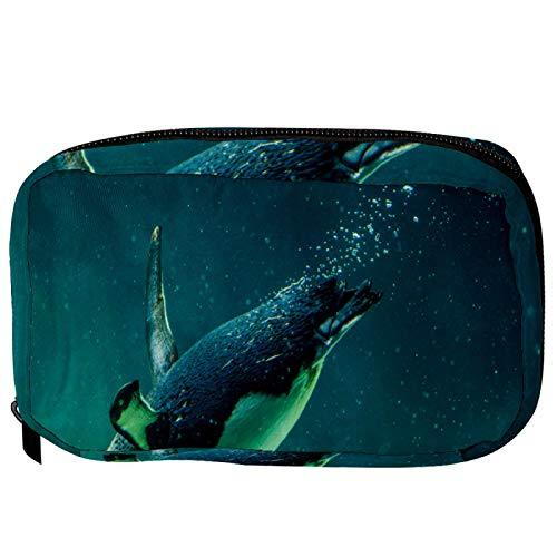 Borse per il trucco Custodia multifunzione per organizer per cosmetici da viaggio portatile Penguin australiano che nuota nel serbatoio dell'acqua con borse da toilette con cerniera per donna
