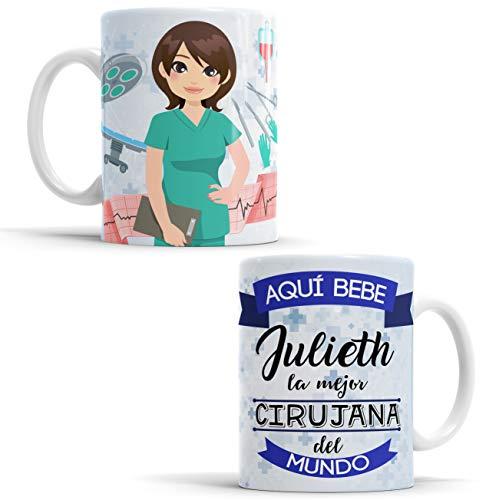 Taza Aquí Bebe la Mejor Cirujana del Mundo/Taza aqui Bebe una Super Cirujana/Taza Personalizada con Nombre/Taza Regalo Original para Cirujana (Cirujana)