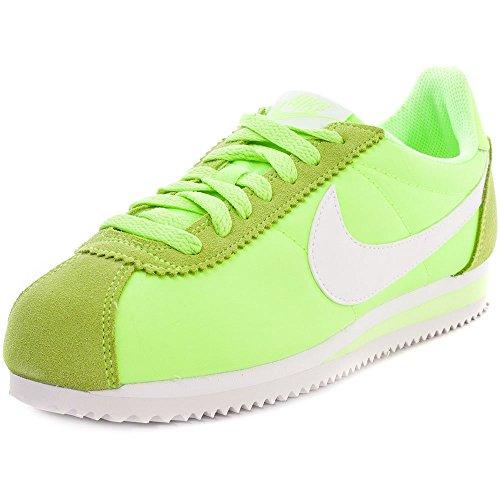 Nike Wmns Classic Cortez Nylon, Scarpe da Fitness Donna, Verde (Ghost Green), Bianco, 39 EU