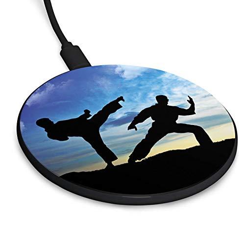 DeinDesign Wireless Charger mit Motiv für Galaxy S10/S10e/S10+/S9/S9+/S8/S8+ Kabelloses 10W Ladegerät Induktive Ladestation für iPhone 11/11 Pro/11 Pro Max/XS/XS Max/XR/X Karate Kampfsport Training