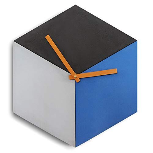 Beton-Wanduhr [cubeclock] | lautlose Würfel-Uhr (kein ticken!) und Holz-Zeiger | cube aus drei Farben