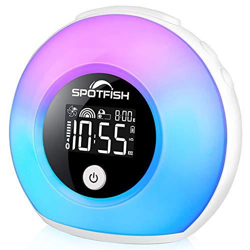 SPOTFISH Reloj despertador para niños, luz de despertador, altavoz inalámbrico Bluetooth, luz cálida regulable y luces coloridas, lámpara de mesa de noche de sueño, reloj...