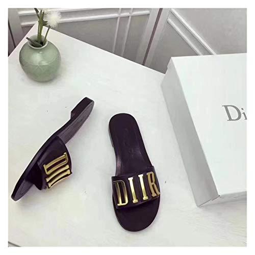 Youpin Zapatillas de verano con fondo plano para mujer, sandalias de verano con letras de metal europeas y americanas 34 – 42 (color dorado, talla de zapato: 35)