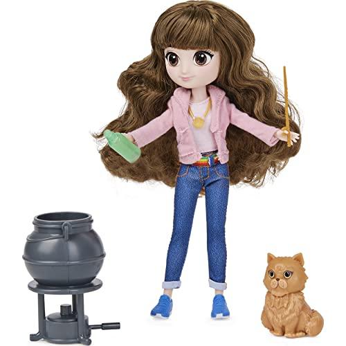 Wizarding World 6061849 Harry Potter - Hermine Granger Puppe mit kämmbaren Haar, Geschenkset mit 2 Outfits und 5 Zubehörteilen