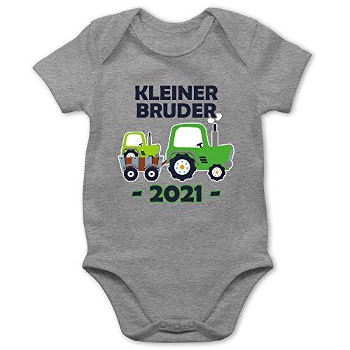 Shirtracer Geschwister Bruder und Schwester - Kleiner Bruder 2021 Traktor blau - 1/3 Monate - Grau meliert - Geschenk - BZ10 - Baby Body Kurzarm für Jungen und Mädchen