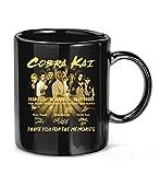 maichengxuan Taza de café divertida con texto en inglés 'Cobra Kai 2018 2021 03 Seasons 30...