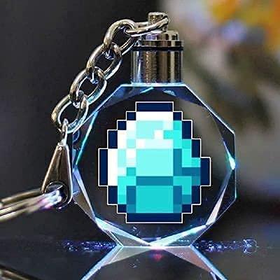 CZHNB Porte-clés Minecraft avec lumière Laser en Cristal, Bloc d'herbe LED 4D, TNT, Pendentif épée en Diamant Brillant, Lampe d'arme de pioche Netherite Light Pixel, Porte-clés Jouet MC avec