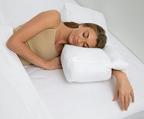 Pillow with arm _image3