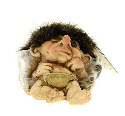 Original Ny Form Trollbaby schläft tief auf Kissen Figur Fabelwesem Troll Norwegen