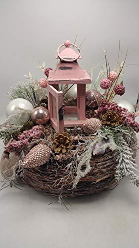 Weihnachtsgesteck Adventsgesteck Wintergesteck Laterne Kugeln Tanne Zapfen rosa XL